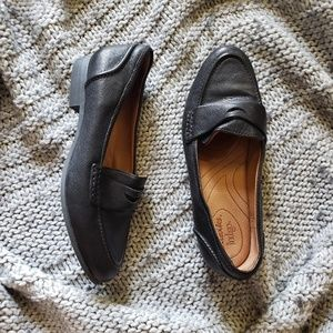 Clarks Indigo Black Leather Penny Loafers Flats